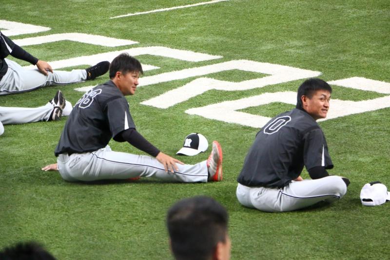 京セラドーム練習見学俊介選手、大和選手